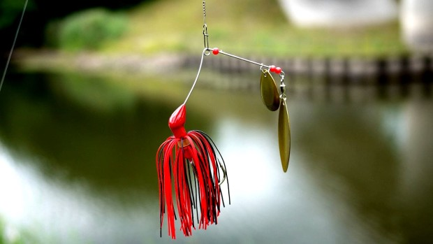 Spinnerbait mit Bucktail