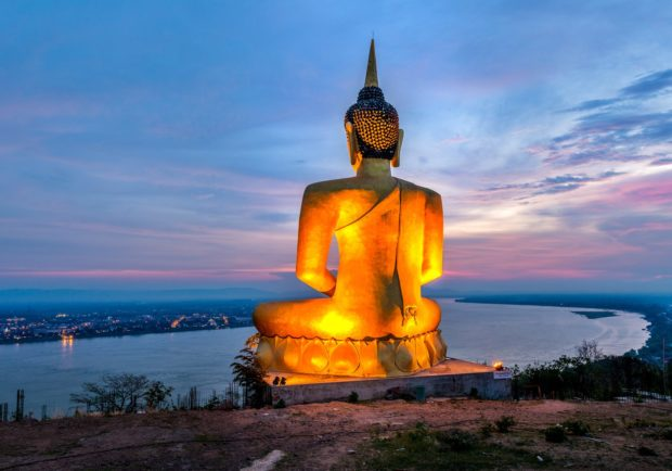 Buddha-Staue am Mekong